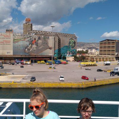 piraeus boat aegina people