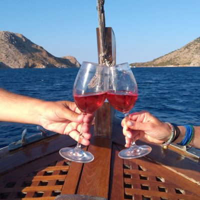 Hydra boat wine food